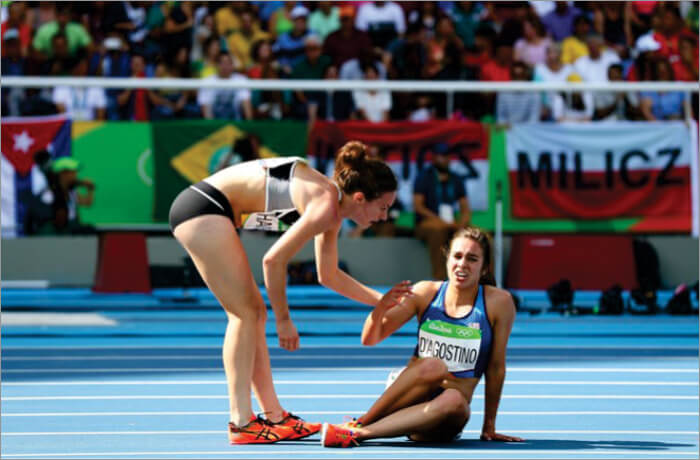 Nikki Hamblin and Abbey D'Agostino in 2016 Rio Olympics