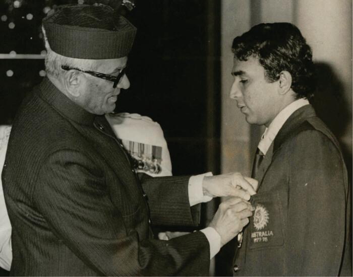 Gavaskar receiving the Padma Bhushan by the then President Sanjeeva Reddy