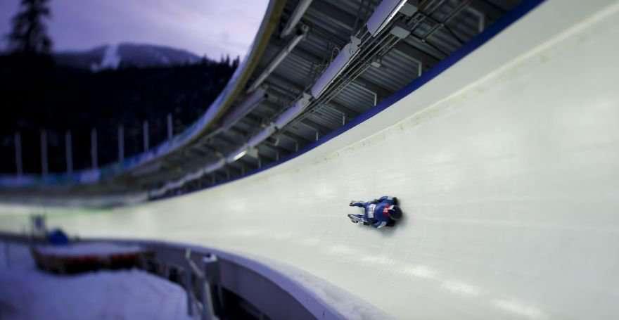 Skeleton ice track