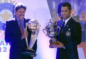 M.S.Dhoni and Kapil Dev with world cups