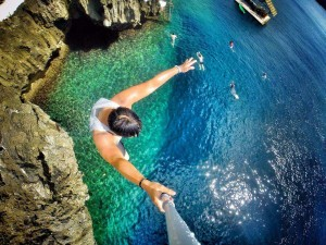 Cliff jumping in Boracay