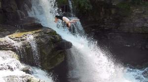 cliff diving spots
