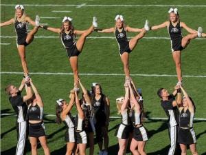 Cheerleaders practice